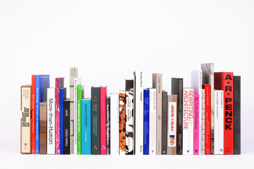 Touki - Voyage à Dakar is selected as Best Dutch Book Designs 2020